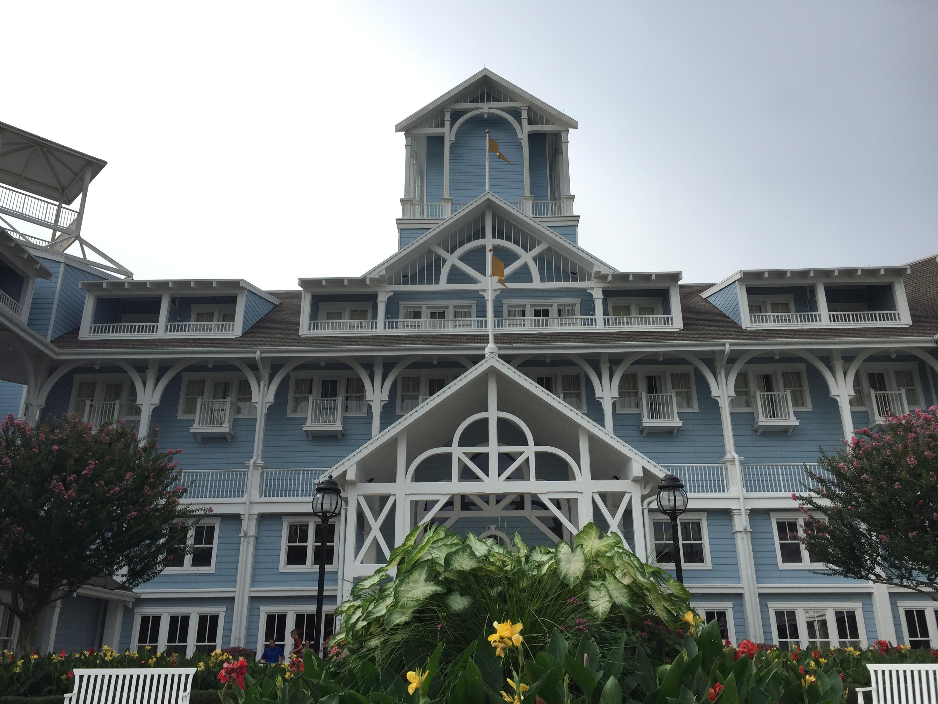 ディズニーワールドの直営ホテルの特典は?値段が高くても宿泊する価値は